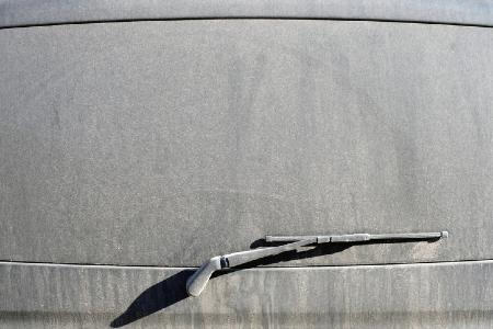 Dirty rear windscreen blunting or obscuring focus. Credit: https://www.istockphoto.com/portfolio/Vladimir18